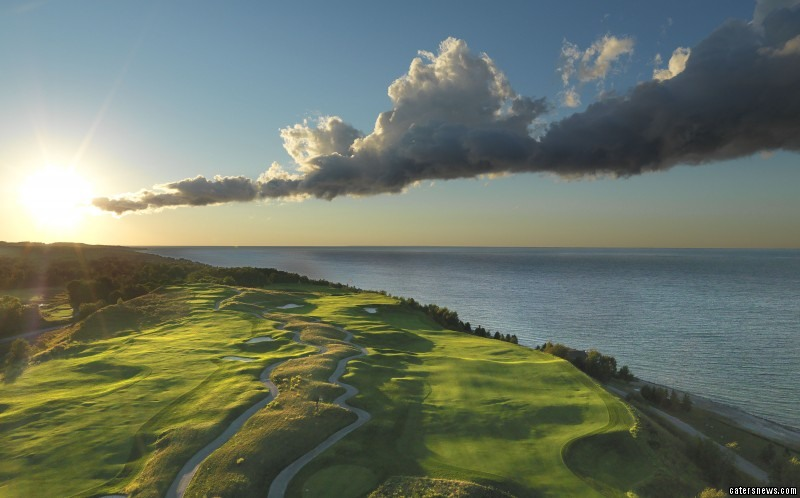Evanhas over twenty years of experience photographing golf courses