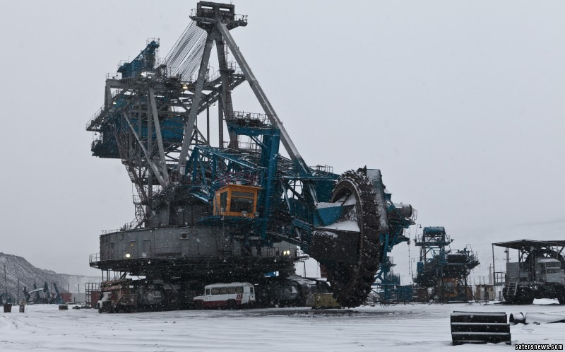Through mountains made of coal, the monster machinery can saw its way through anything