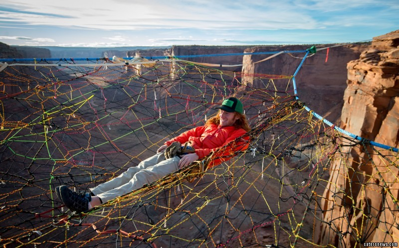 Real Life Spiderman Daredevils Relax In Net 400ft Above
