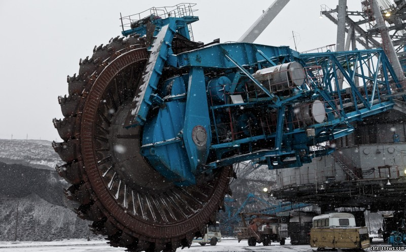 The giant saw weighs a whopping 45,000 tonnes
