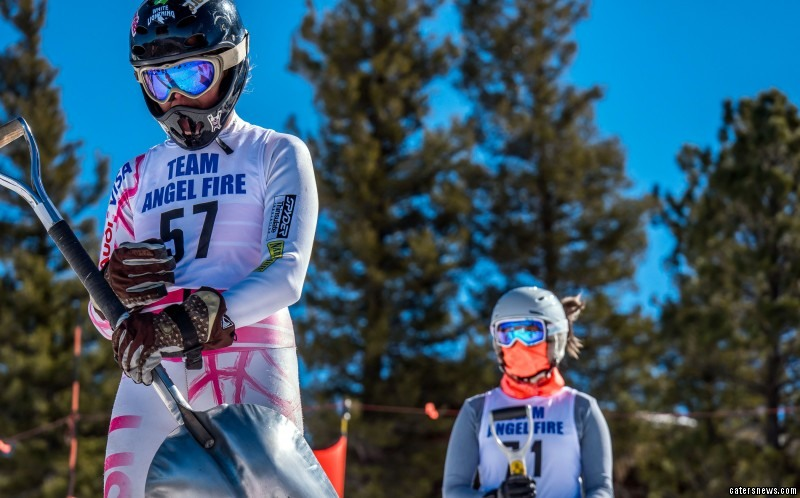 86 entrants competed in the shovel ski competition