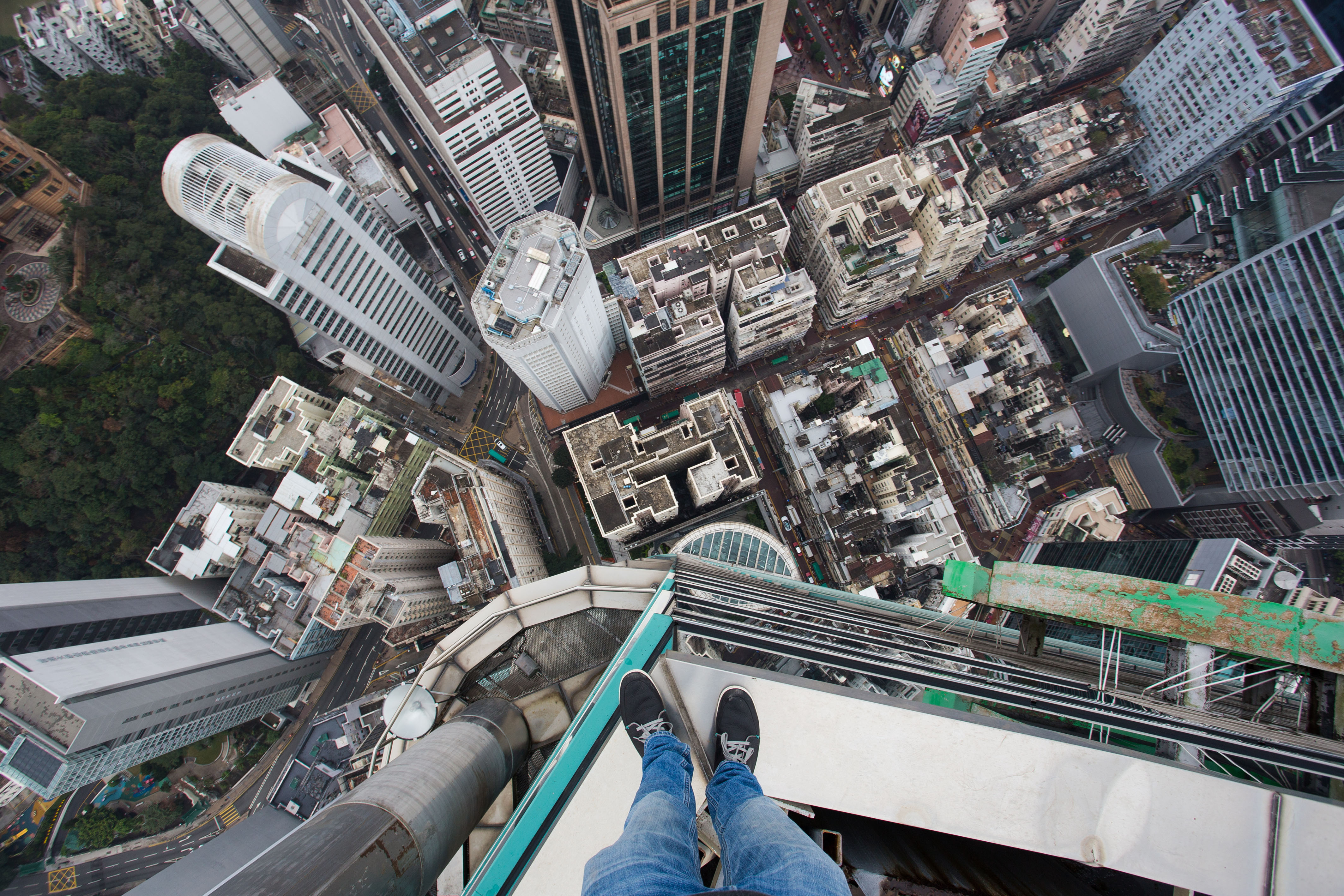 Headcam Footage Shows Daredevil Teen Scaling Skyscraper