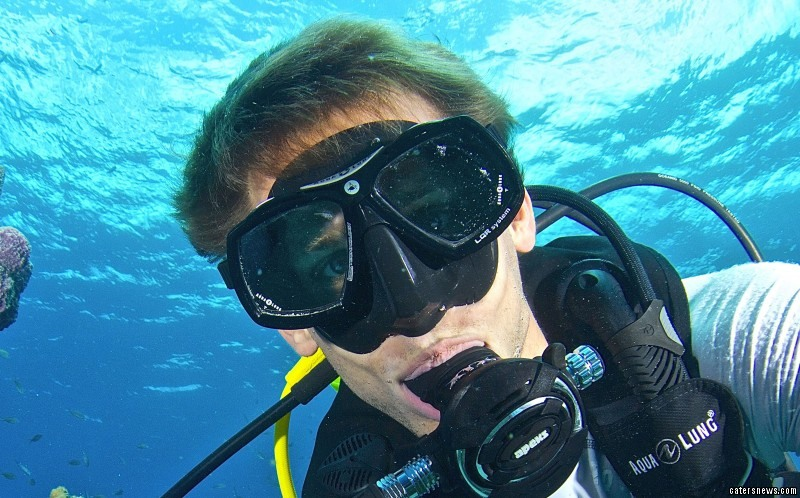 Her husband Jeff, 26, was on hand to capture the incredible moment on his underwater camera
