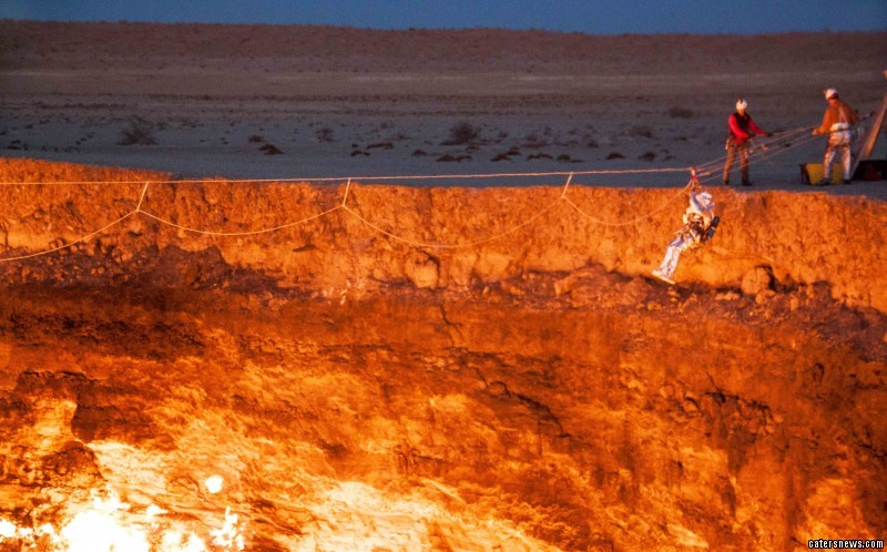 The 44-year-old was part of the first-ever expedition into Turkmenistan\u0027s & Explorer sets foot on surface of crater dubbed \u0027 door to hell\u0027 Pezcame.Com