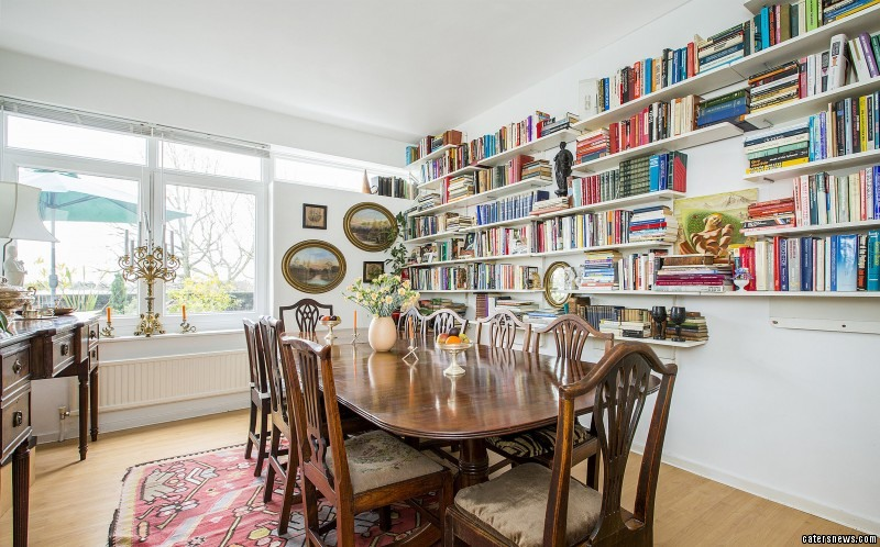 """Stuart Mills, sales manager at Jackson-Stops & Staff Wimbledon, said: """"This is the perfect flat for any tennis enthusiast."""""""
