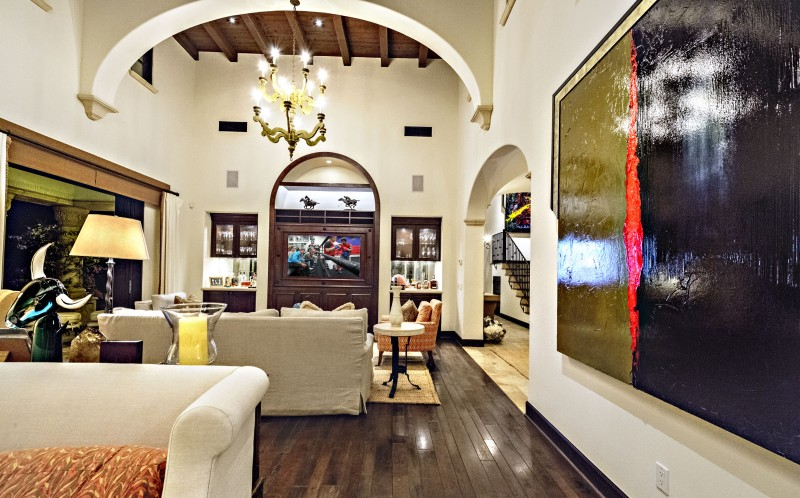 Sylvester Stallone's California home - Living room