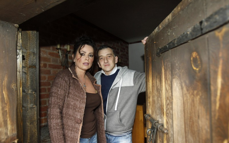Vanessa Mitchell with paranormal investigator Micky Rawlins