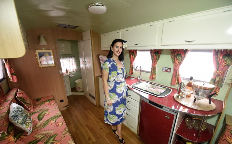 20_CATERS_50s_HOUSE_21-800x498 Mobile Homes Turned Into on metal building homes, barns turned to homes, small shed homes,