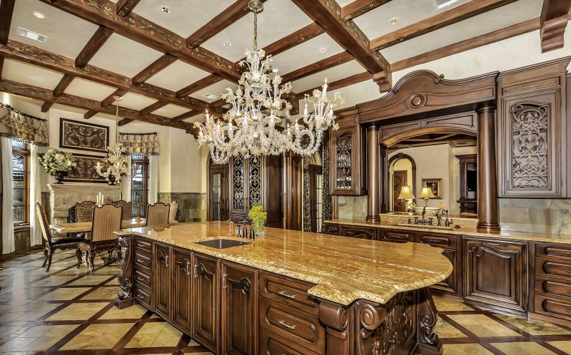 Hot Property Mansion On Auction Comes With 120 000 163 85k