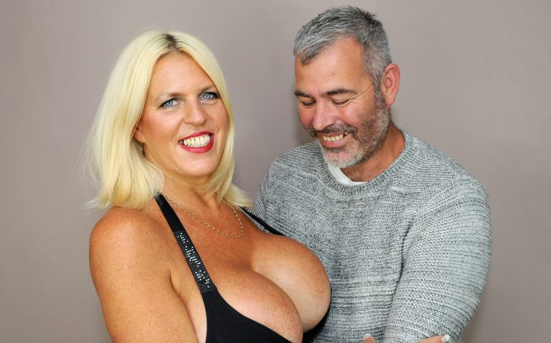 Allegra agrees to an erotic photoshoot in public - 3 7