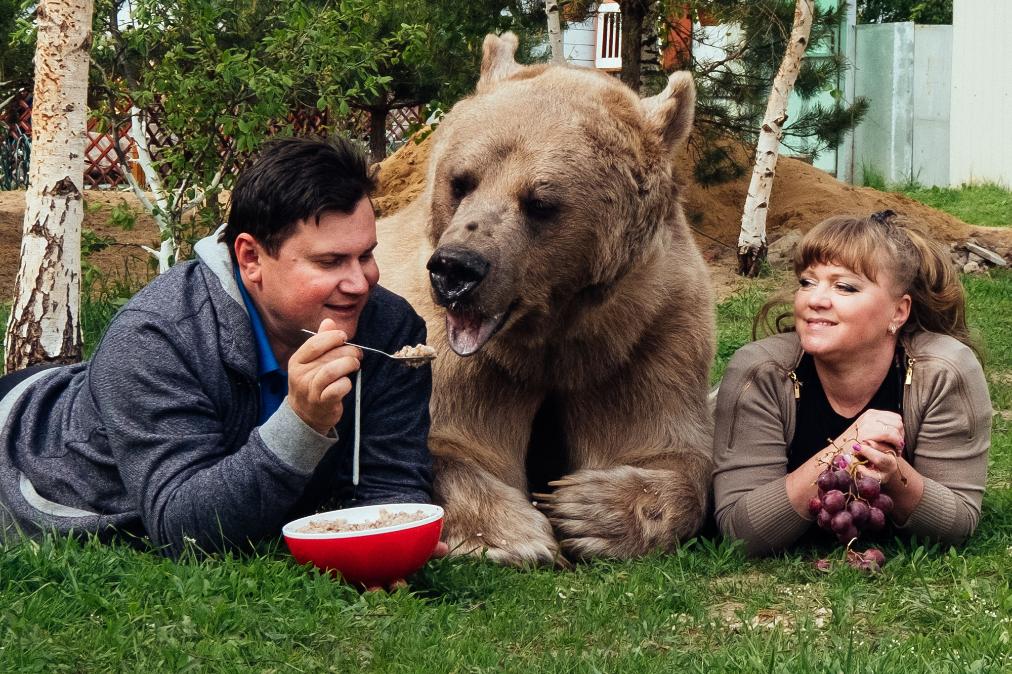 Un Bearlievable Incredible Family That Lives With A Bear