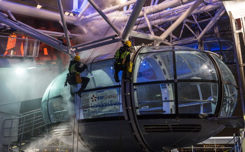 PIC FROM CATERS NEWS -: Cleaning experts clean the London Eye.