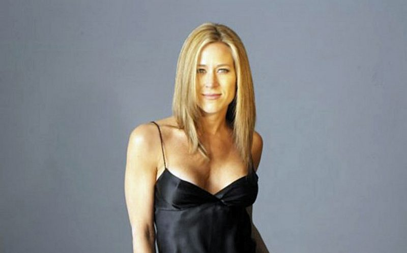 Jennifer Aniston lookalike visits 100 countries as part of
