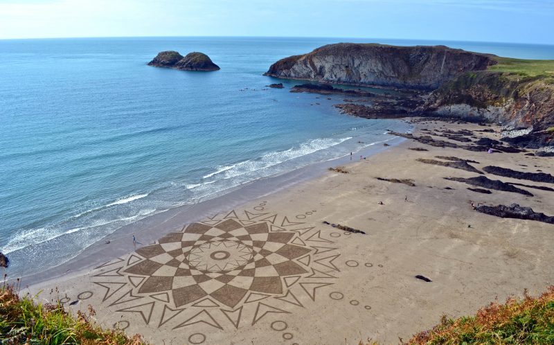 PIC BY MARC TREANOR/CATERS NEWS - Marcs sand art in Traeth llyfn in August 2015.