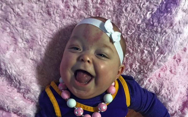 PICS BY MADISON KIENOW / CATERS NEWS - Paisley finally smiling.