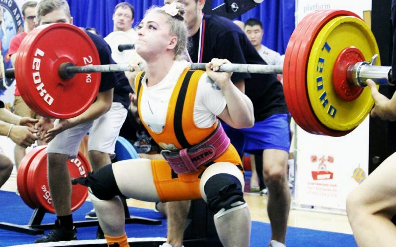 PIC FROM CATERS NEWS - Julia Vins from Engels in the Saratov region of Russia squats 215kg at the World Powerlifting congress.