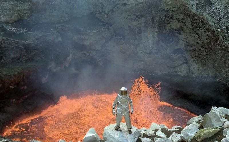 PIC BY CHRIS HORSLEY/ CATERS NEWS - Down by the lava in Manum.