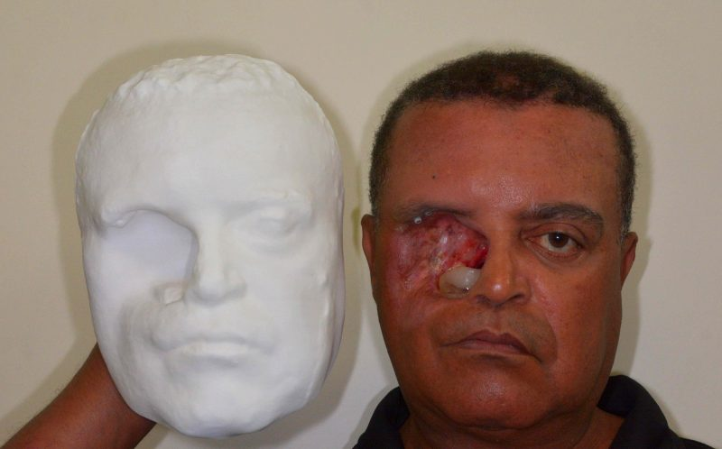 PIC BY PLUS ID / CATERS NEWS - Carlito holds the 3D prototype mould