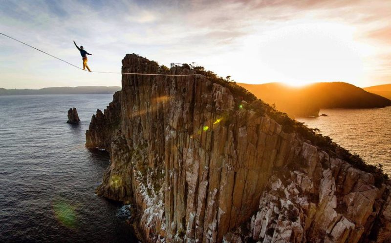 Stomach Churning Images Of Daredevil Balancing On Wire