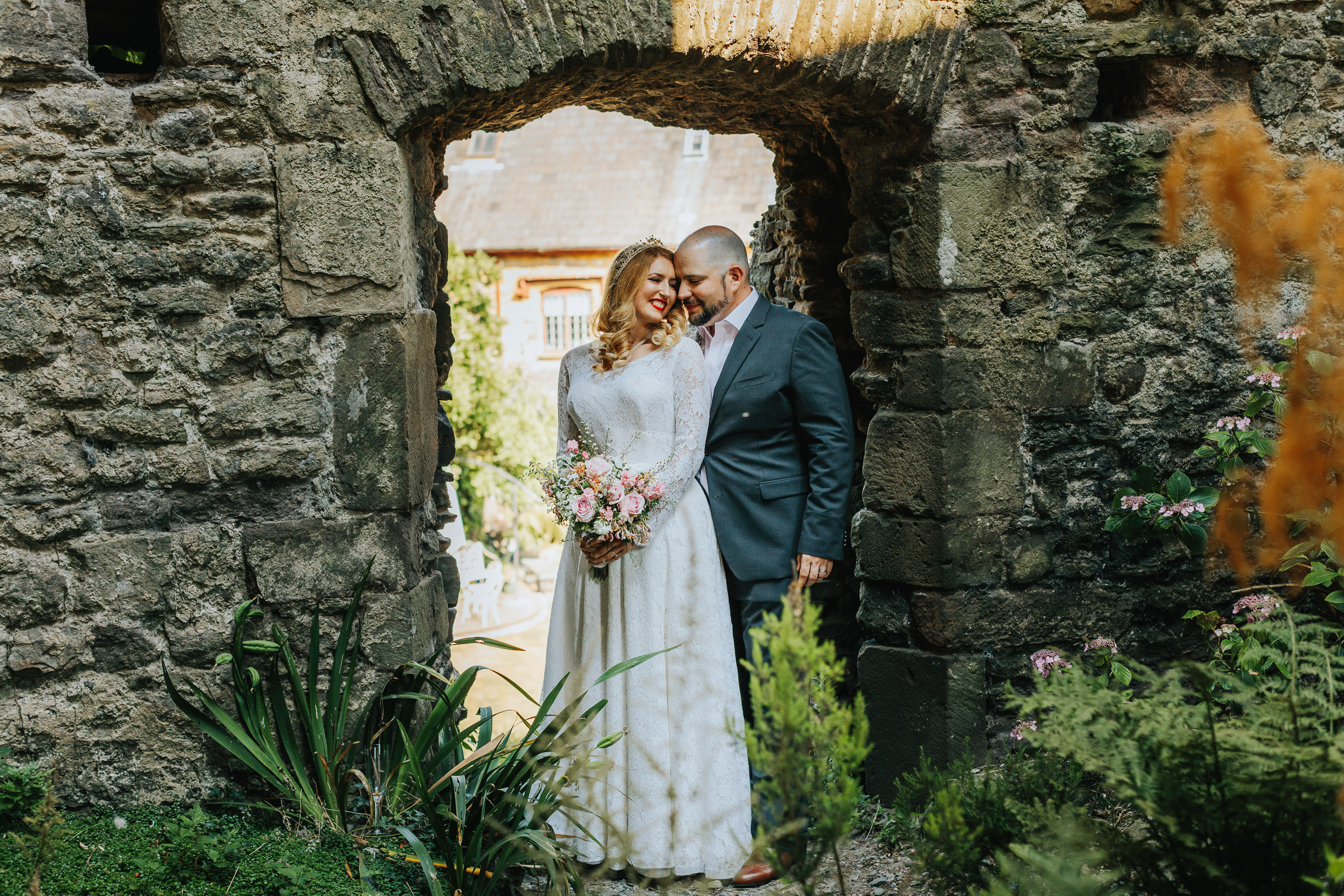 And the bride wore car boot couture: vintage lover snaps up bargain ...