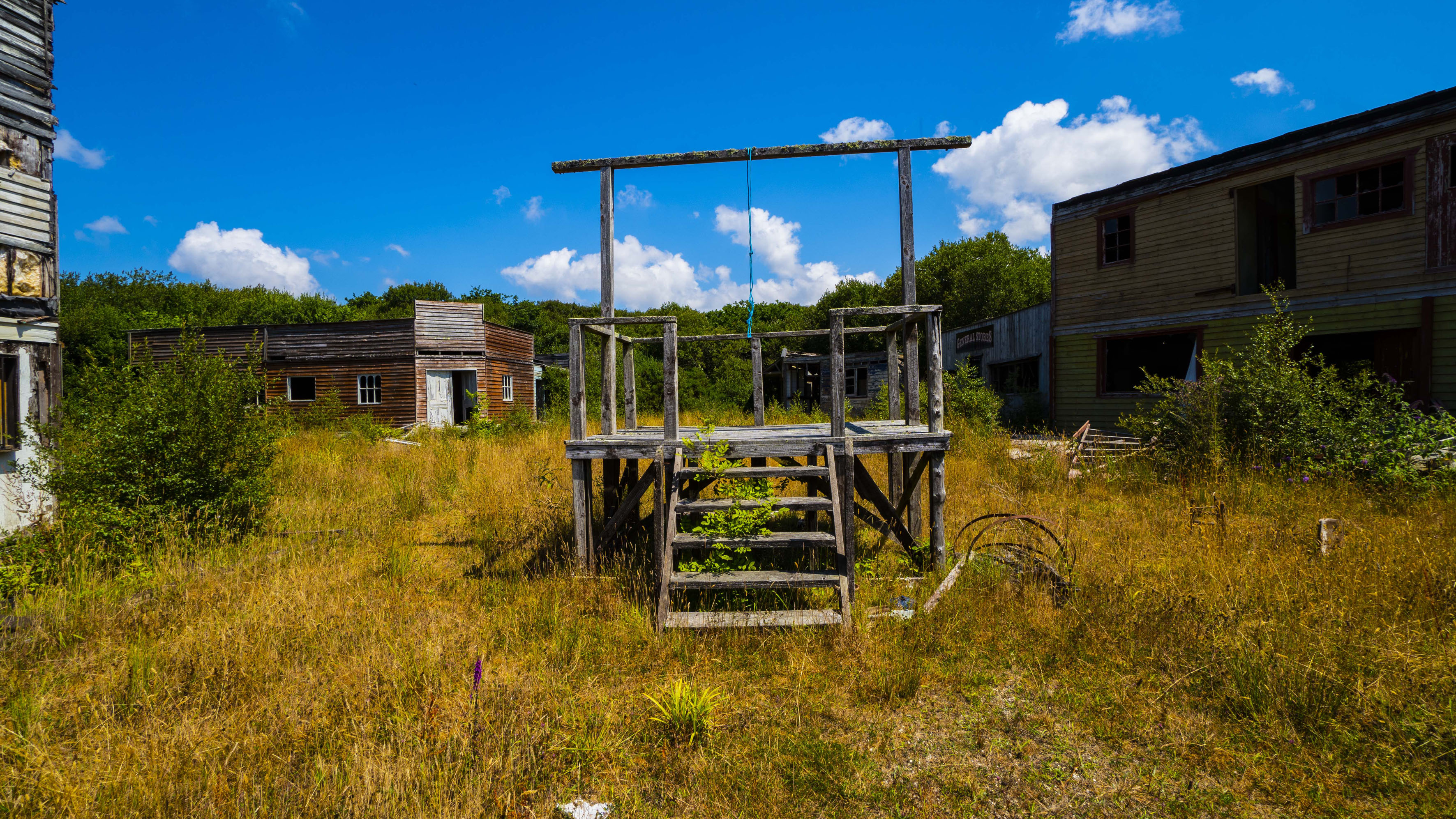 Urban Explorer Reveals Uk S Abandoned Wild West World Left Like A Ghost Town Caters News Agency